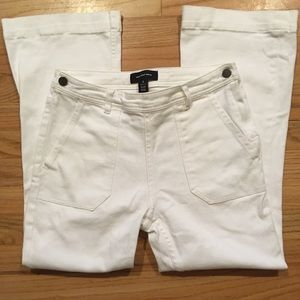 Who What Wear white wide leg cropped jeans size 6